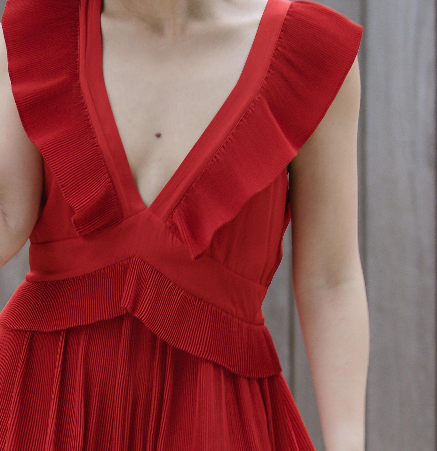 chelsea and walker red dress 6.JPG