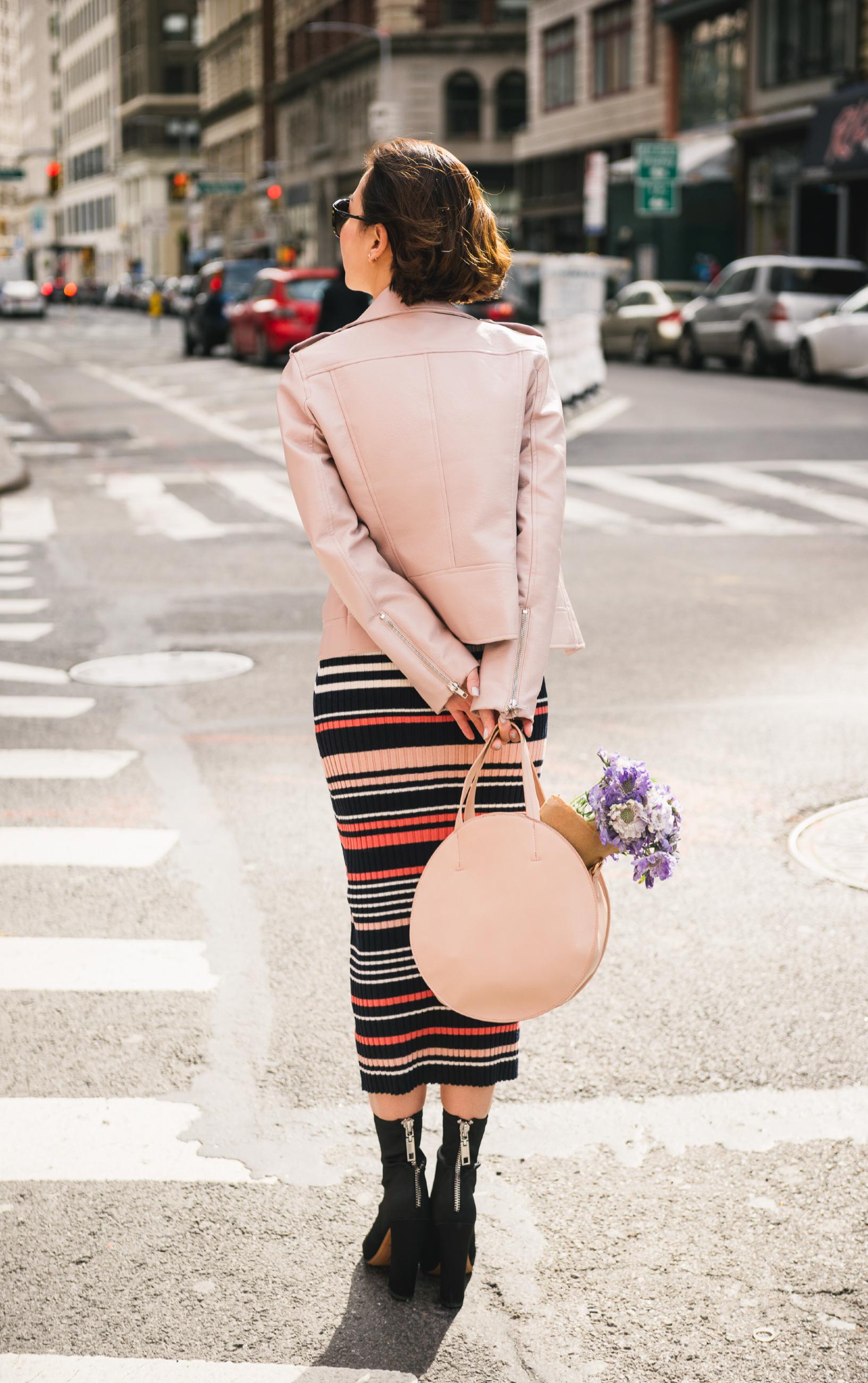 the shopping bag andrea circle bag.JPG