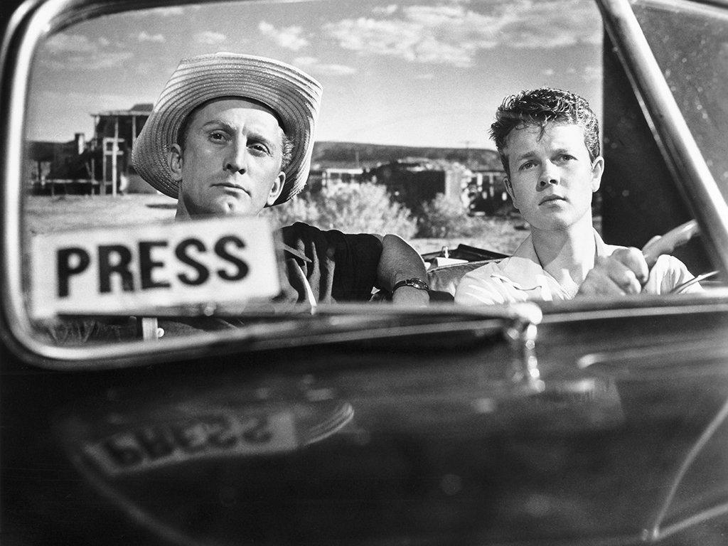 (From left) Kirk Douglas, Robert Arthur