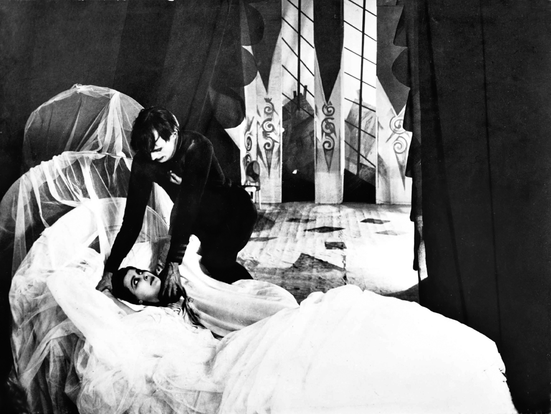 175. The Cabinet of Dr. Caligari (1920)