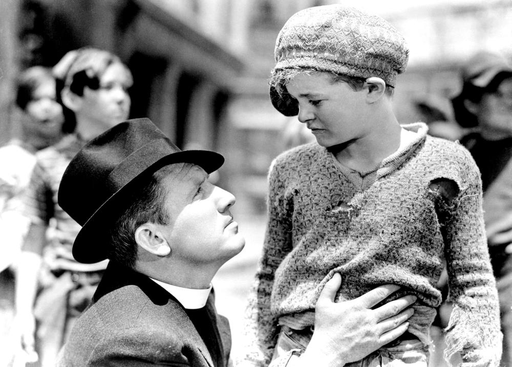 Martin Spellman as Skinny (at right) with Spencer Tracy as Father Flanagan in  Boys Town