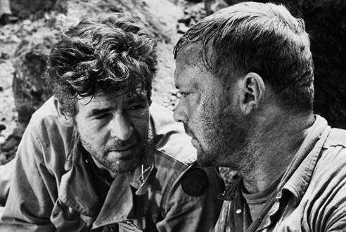 (From left) Robert Ryan, Aldo Ray