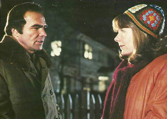 Burt Reynolds and Jill Clayburgh in STARTING OVER