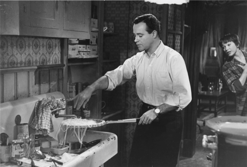 the-apartment-1960-17__800.jpg