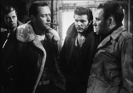 Peter Graves, William Holden, Neville Brand, and Richard Erdman in STALAG 17