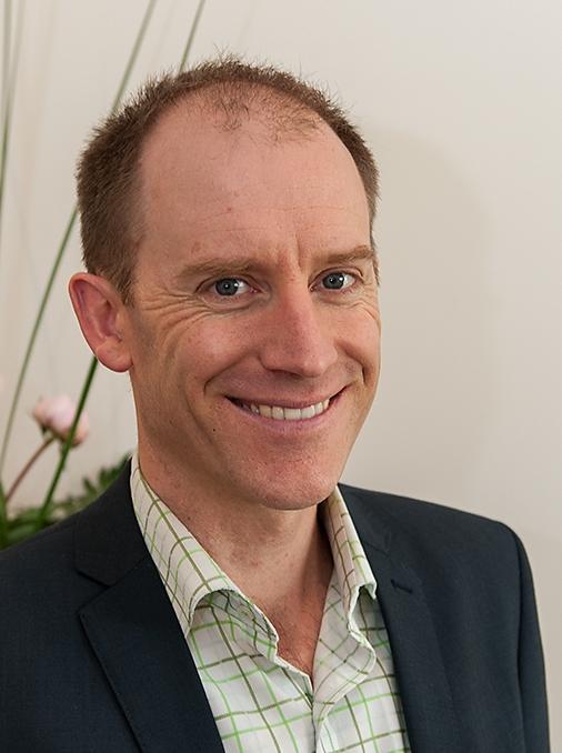 Dr Andrew Bradbeer
