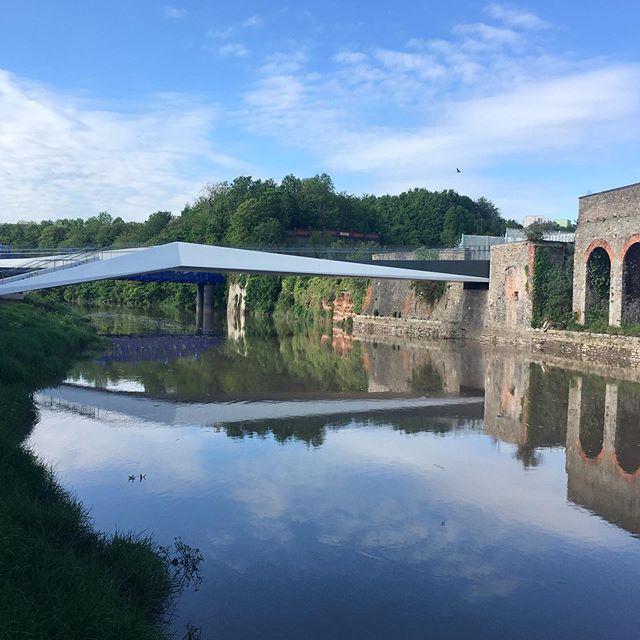 Bridging gaps #arenaisland #newbridge #bridgetonowhere #igersbristol #stphilipsfootbridge #brislingtoncyclepath