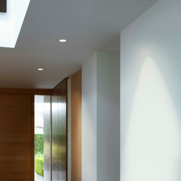 Example of a round trim-less recessed light. -