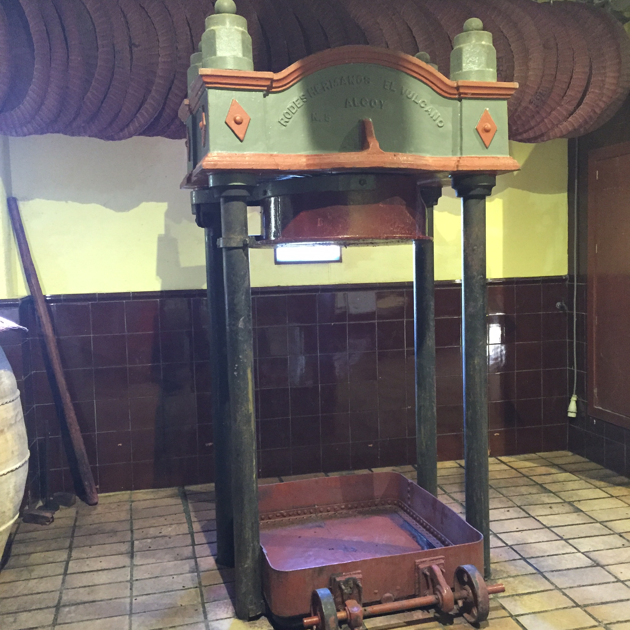Old fashioned press at Clos Mogador