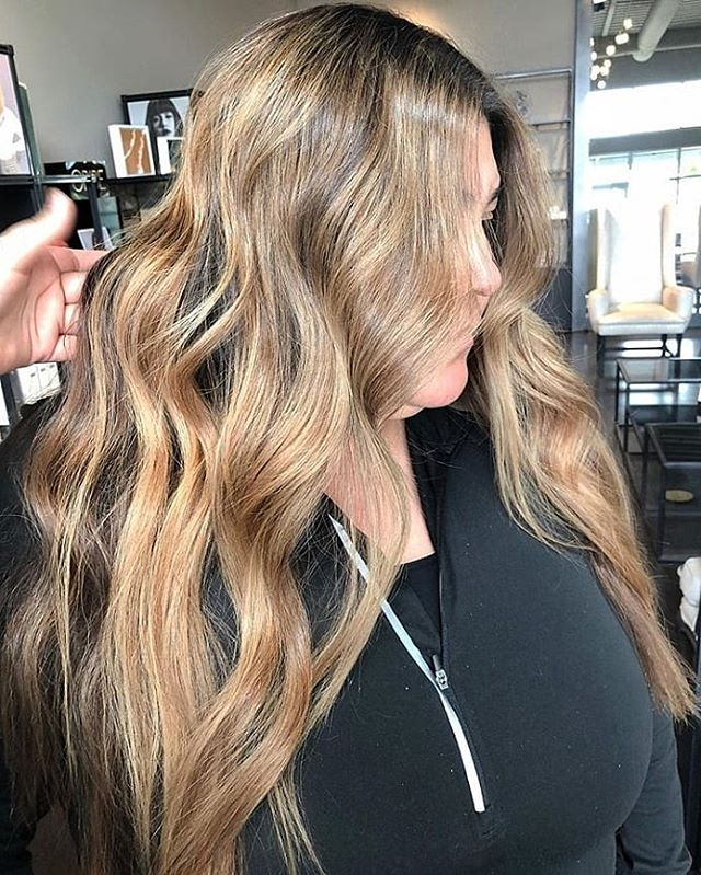 Gorgeous caramel waterfall by @savvy.artistry! Such talent! Swipe ➡️ for a before