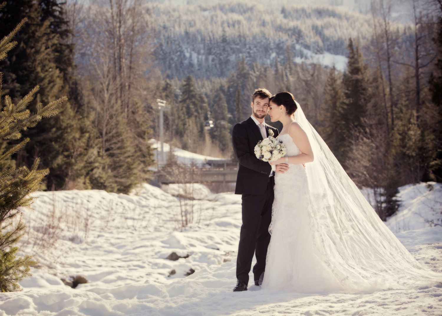 LeannePedersenPhotographers_DestinationWedding_Whistler_AnnieSimon0341.jpg