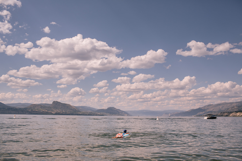 LeannePedersenPhotographers-VancouverPortraitPhotographer-summer2014-okanagan019.jpg