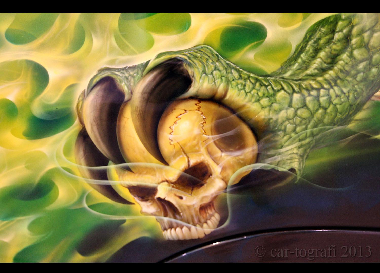 skull-grab.jpg