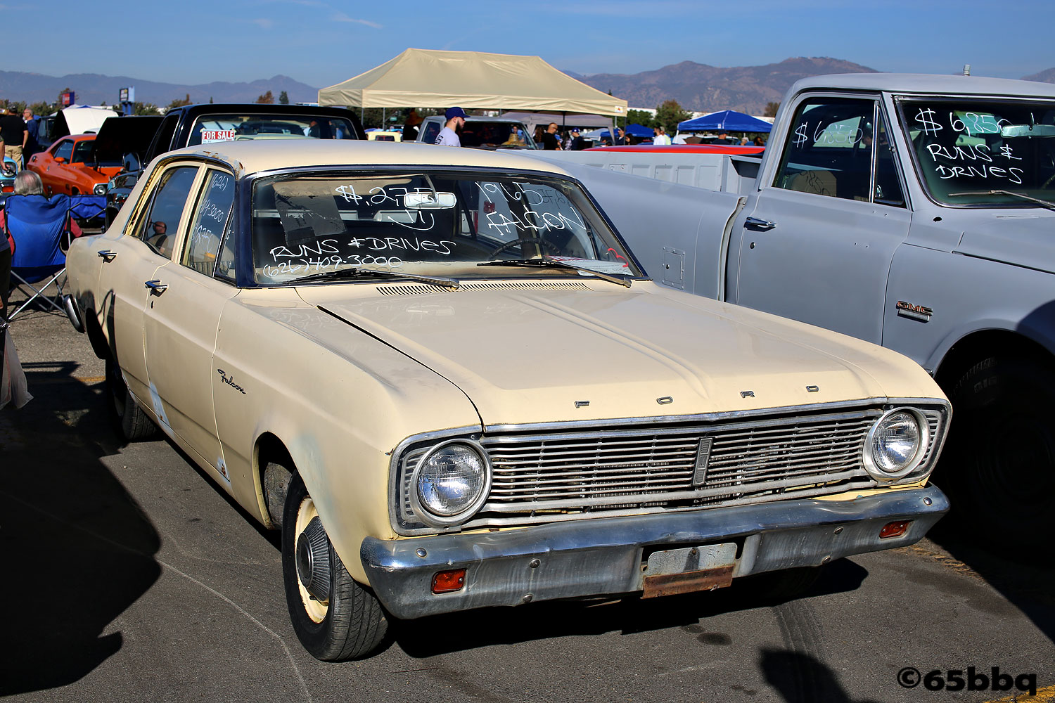 Ford Falcon in yellow