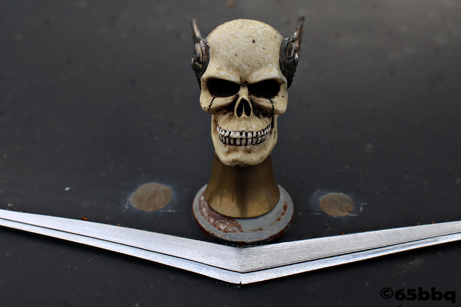 Skulls are skulking at car-tografi where it is all about the parts