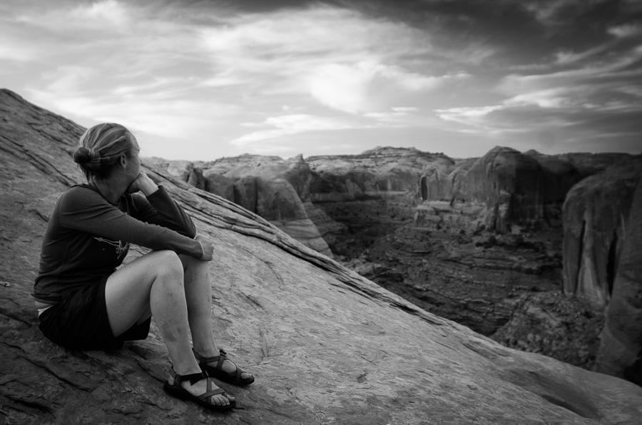 Rebecca camping at the Rim of Fool's Canyon