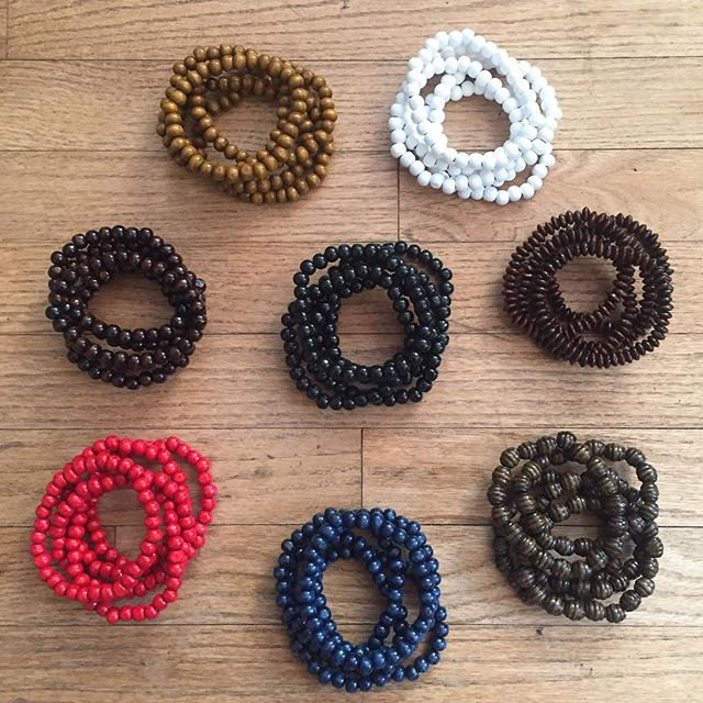 ***WHOLESALE OPPORTUNITY*** LIMITED OFFER If you're a musician looking to sell merch, a non-profit organization, or just a hustler wanting to make some extra cash this summer then this opportunity is for you! • • Get 25 bracelets for only $50 including shipping. Retail value for each bracelet is $5-$8 so you can easily double your money. • • DM for questions or an invoice. • • • #wholesalejewelry #wholesalebracelets #wholesaleopportunity #woodbracelets #braceletstacks #armcandy #wristwear