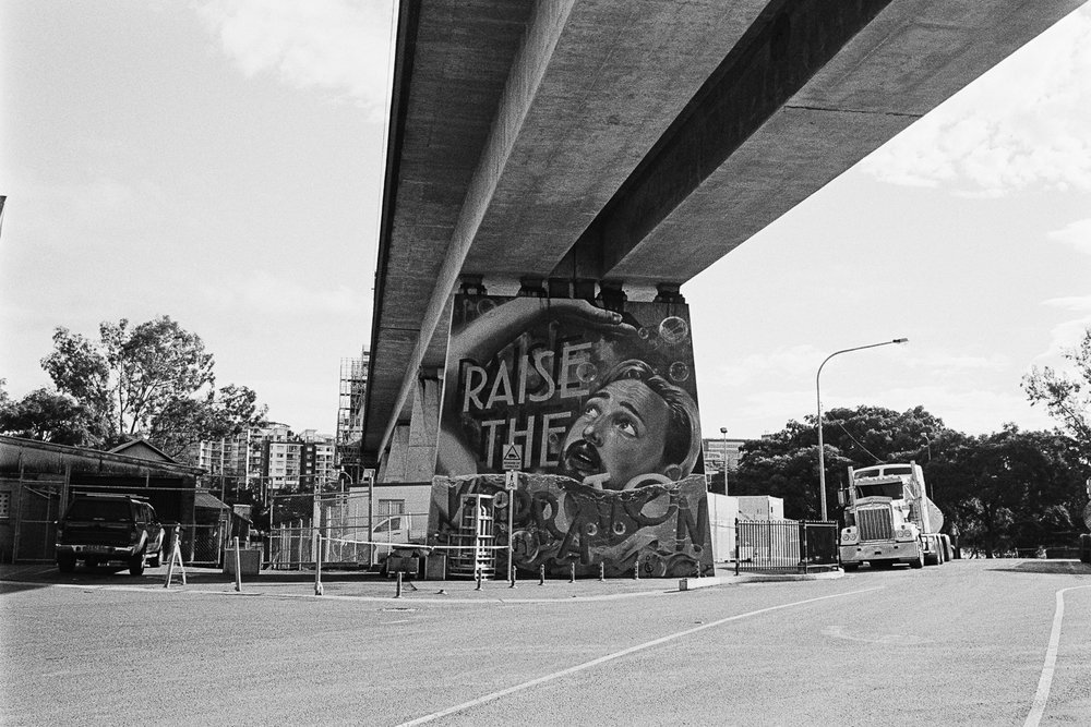 20170612+-+Roll+139+-+021-Nick-Bedford,-Photographer-Black+and+White,+Film,+Kodak+Tri-X+400,+Leica+M7,+Merivale+Rail+Bridge,+Rodinal,+South+Brisbane,+Street+Photography,+Voigtlander+35mm+f1.7+Ultron+Aspherical.jpg