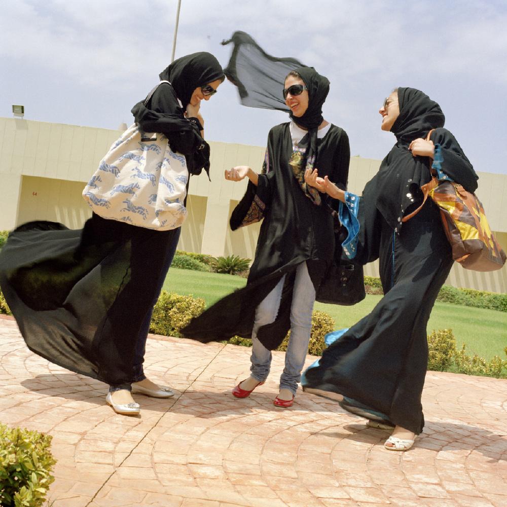03_Olivia-Arthur-SAUDI-ARABIA.-Jeddah.-Students-at-Effat-Womens-University.-2009.jpg