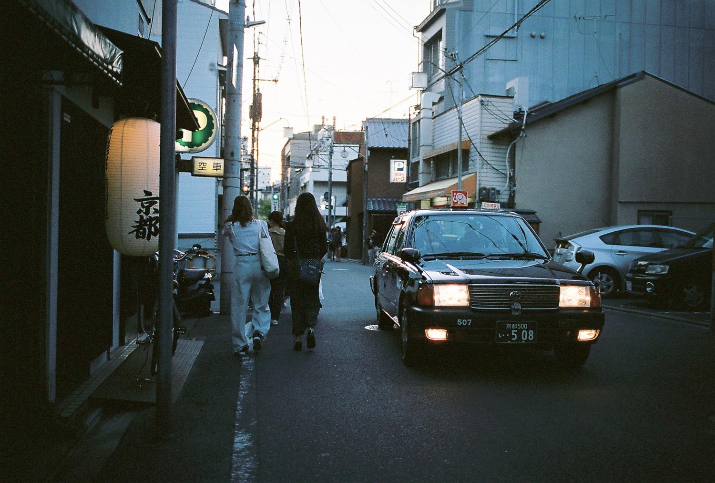 000052-Nick-Bedford,-Photographer-Japan, Kodak Portra 400, Leica M7, Street Photography, Voigtlander 35mm F1.7 Ultron.jpg