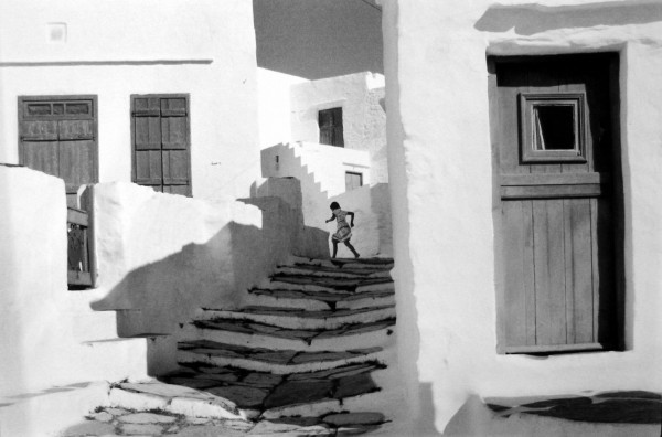 Henri Cartier-Bresson: Siphnos, Greece, 1961  © Henri Cartier-Bresson, courtesy of Leica Gallery Los Angeles