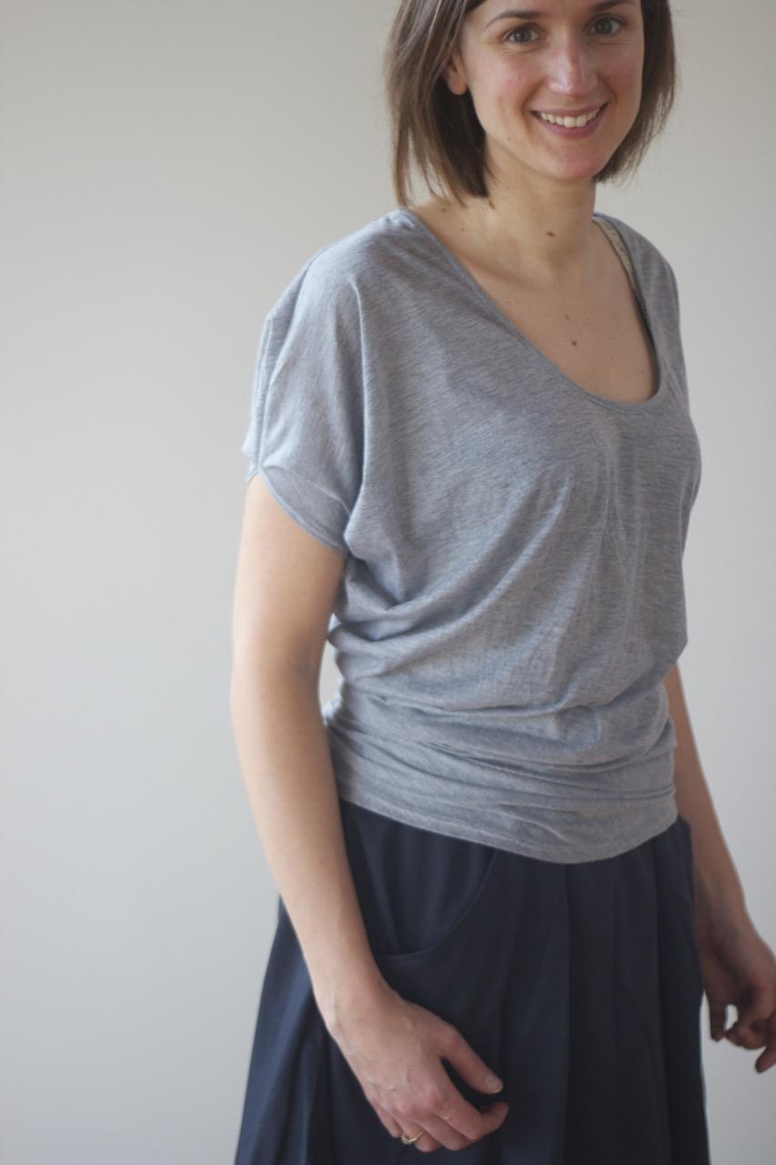 Drape Drape 2 - Asymmetrical Scoop Neck Tee: Pattern Review |  Willow & Stitch