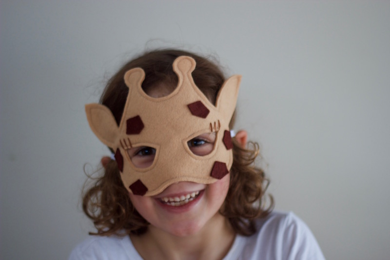 Wild Things - Giraffe Felt Animal Mask PDF Sewing Pattern from Willow & Stitch