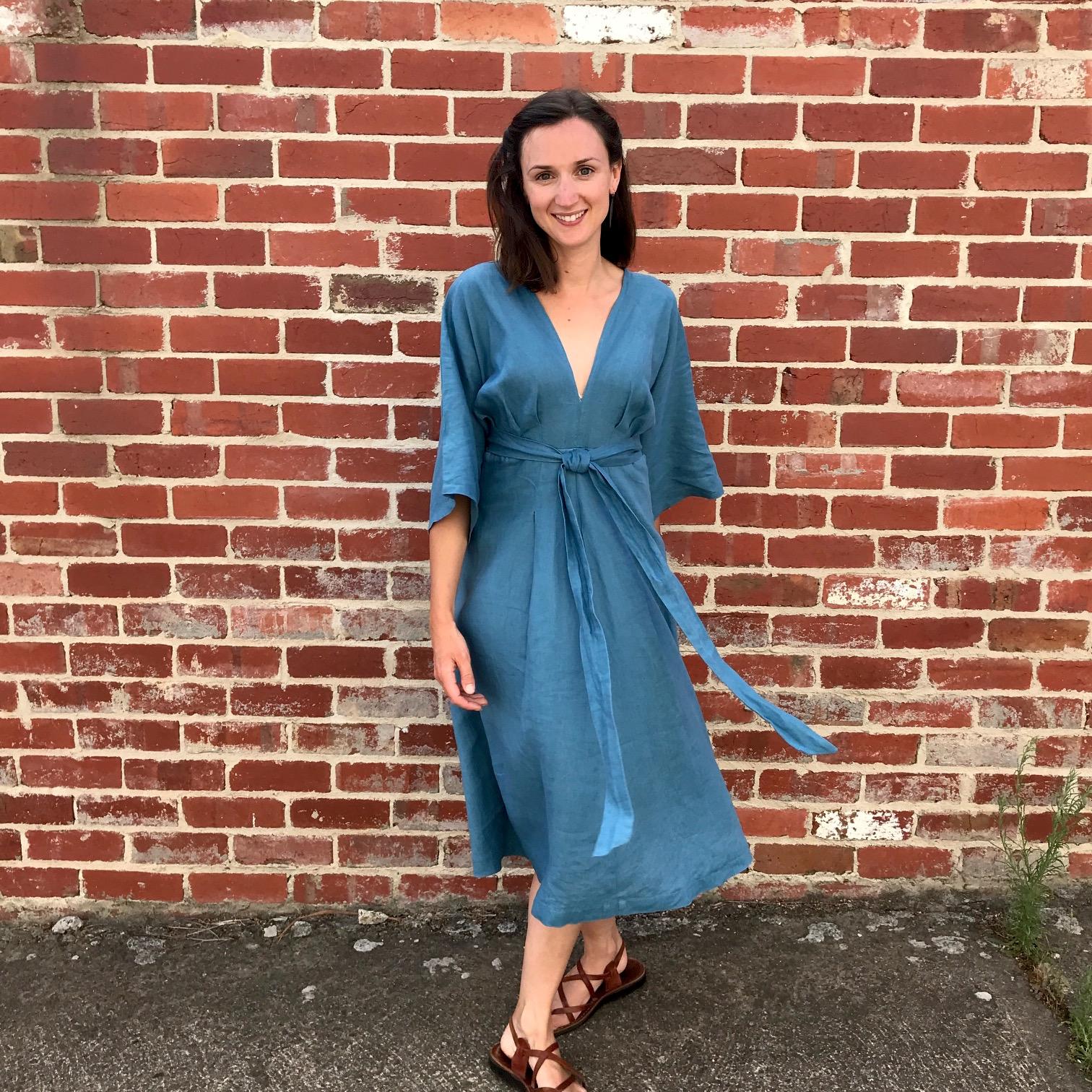 V9253 Vogue Deep V Kimono Dress in Teal Milled Linen