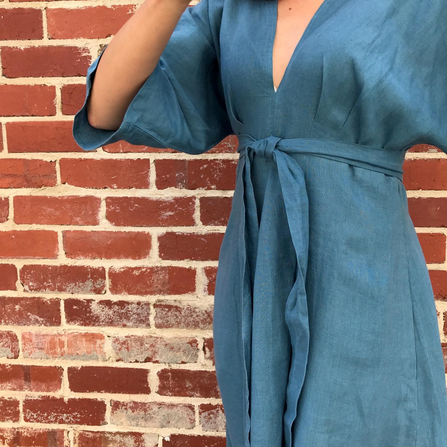 V9253 Vogue Deep V Kimono Dress
