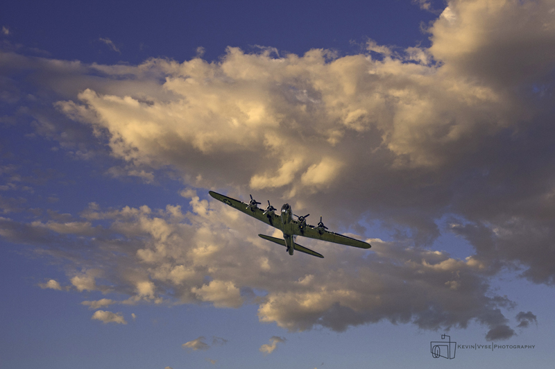 Bowing B-17 Fly Over - web.jpg