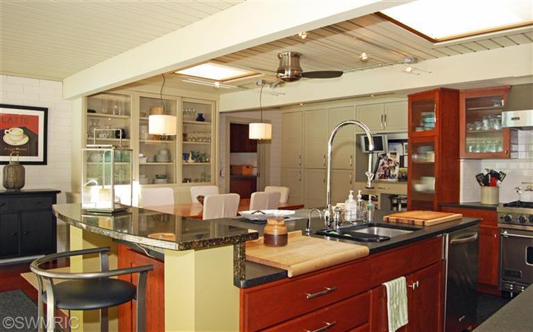 5old-kitchen1.jpg