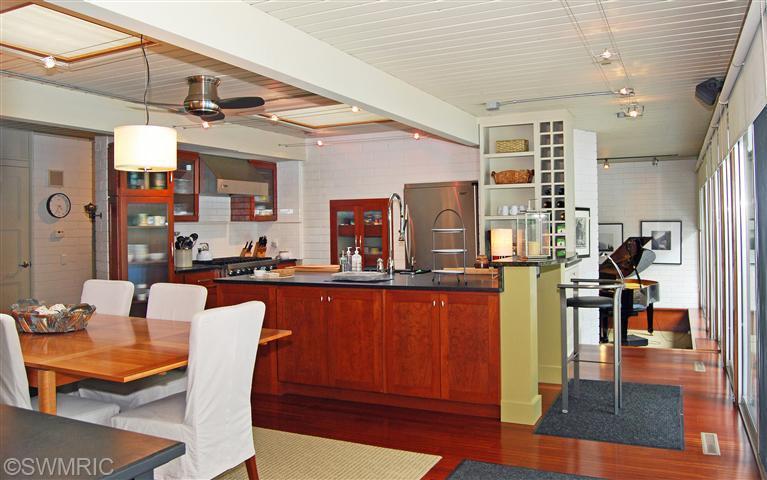 7old-kitchen2.jpg