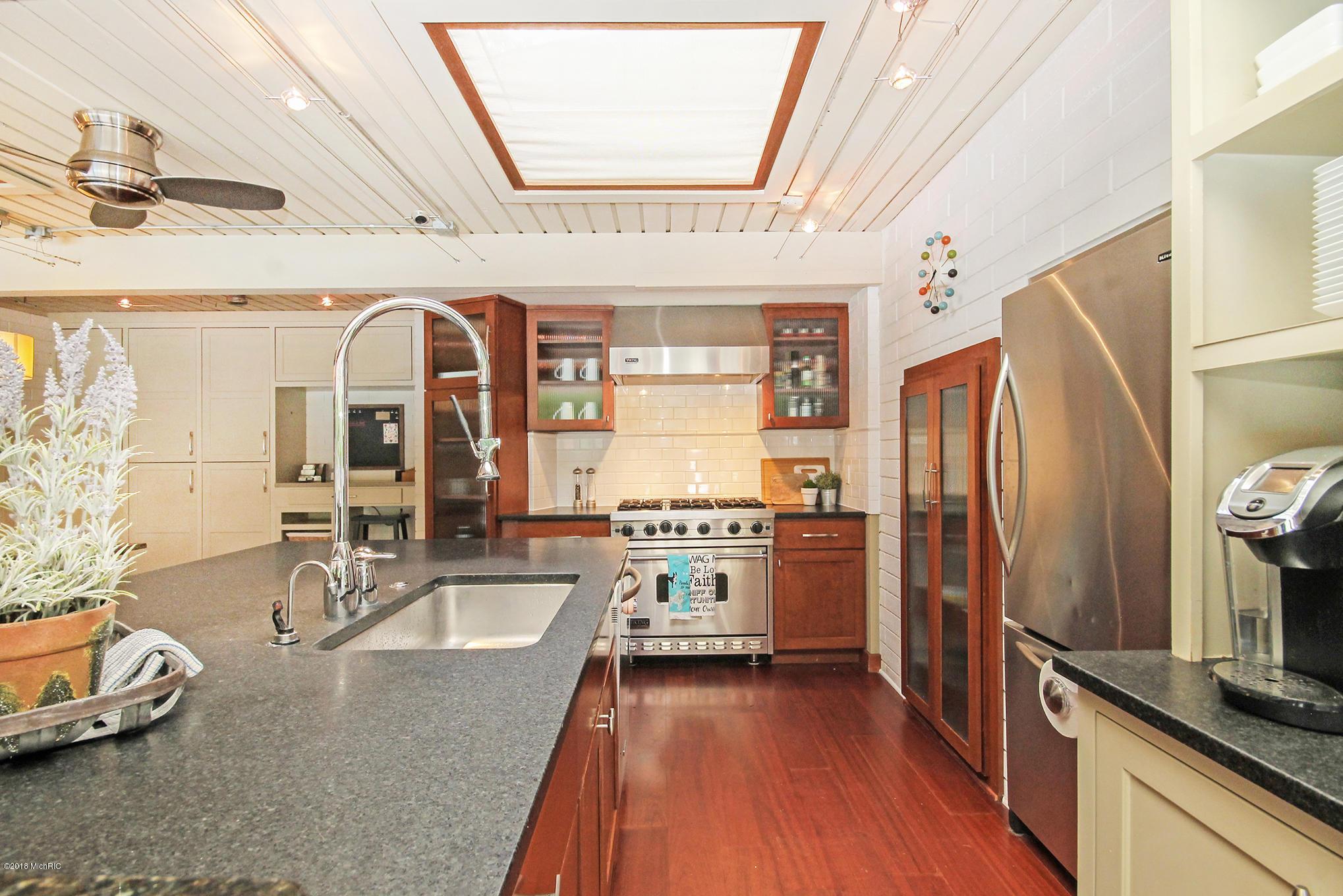 6new-kitchen1.jpg