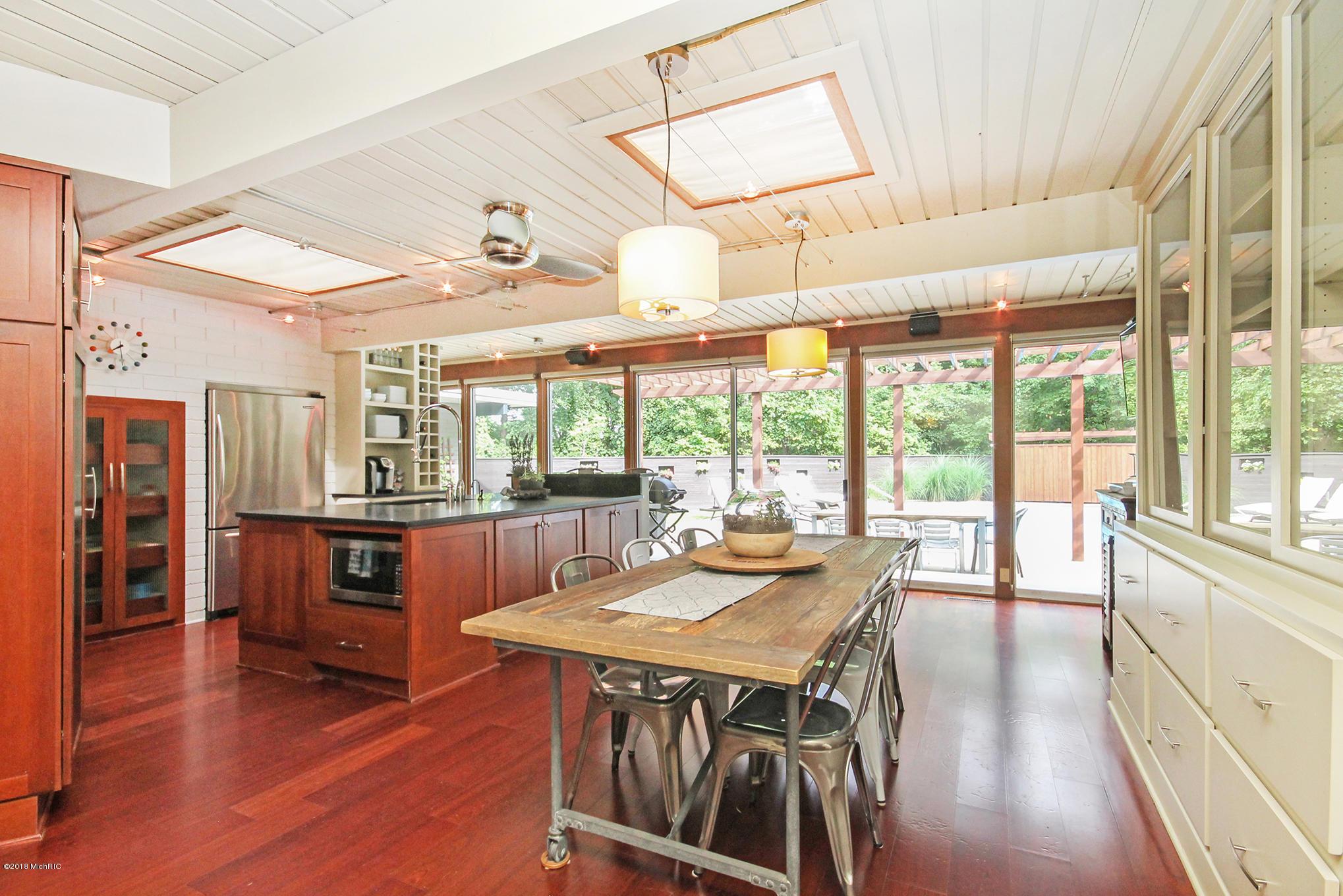 8new-kitchen2.jpg