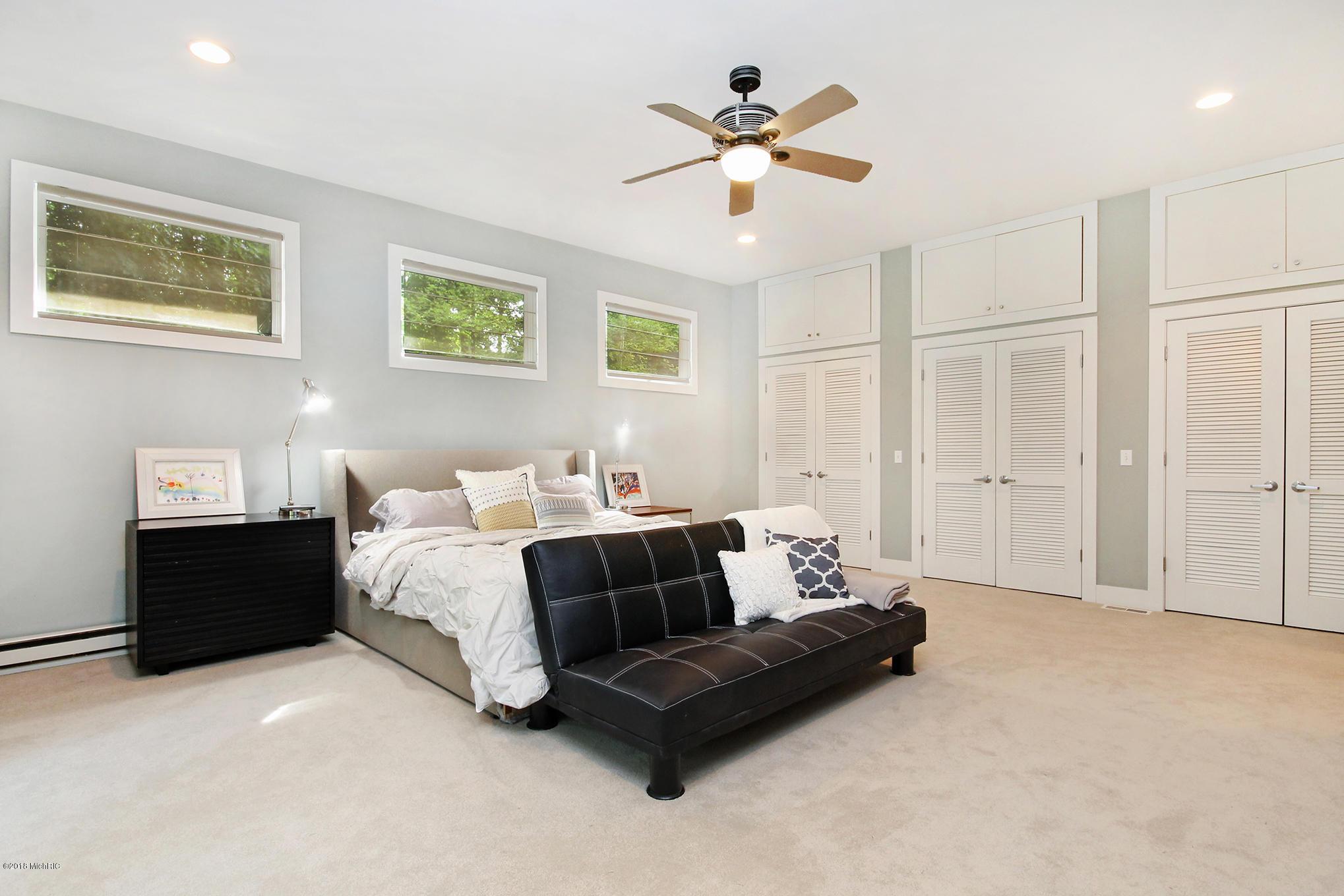 12new-bedroom1.jpg