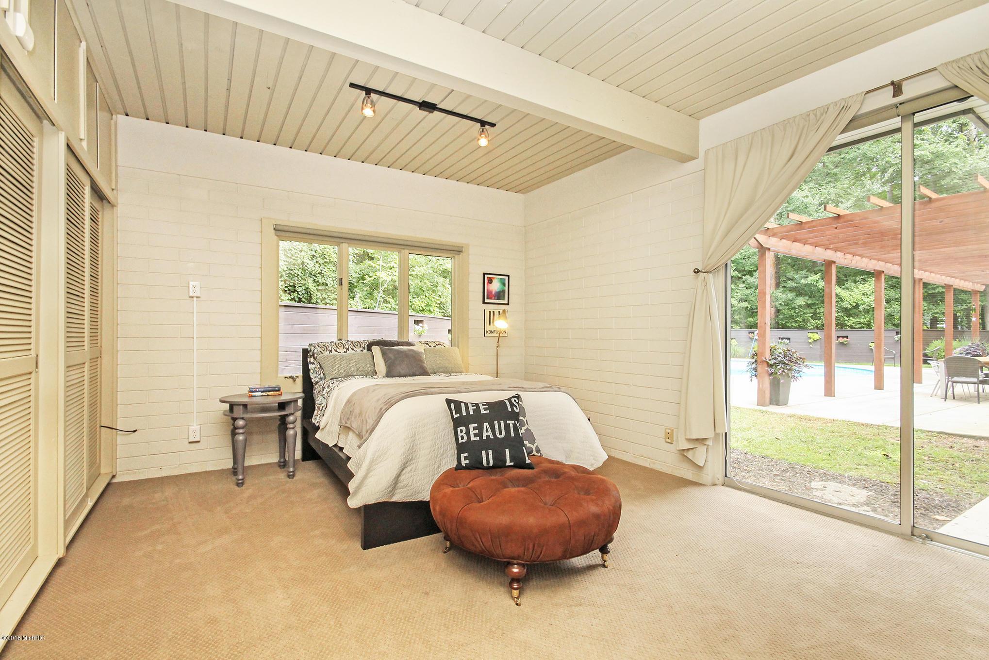 20new-bedroom3.jpg