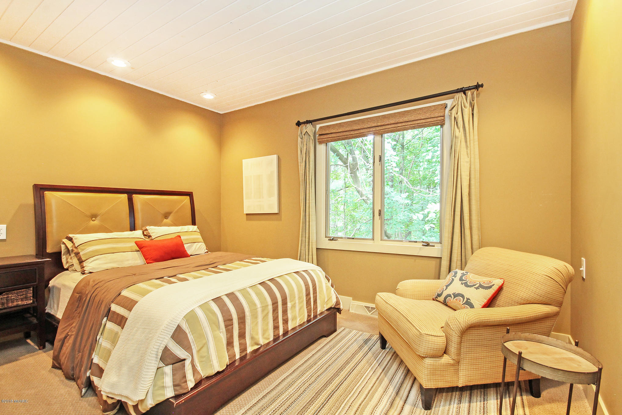 22new-bedroom4.jpg