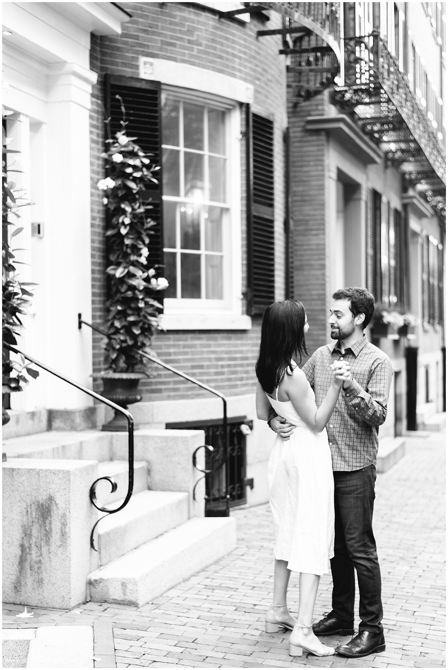 Jessica K Feiden Photography_Beacon Hill Boston Engagement Session Photographer_0008.jpg