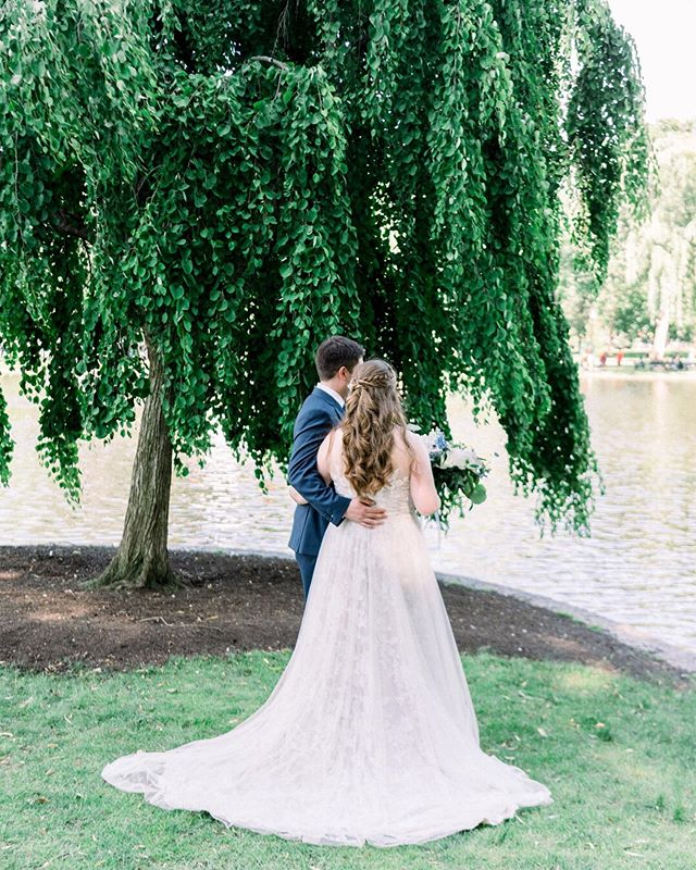 Introducing the new Mr & Mrs. Shapiro! It was a magical weekend full of so much love. City views, the prettiest french blue details, lots of happy tears and an unforgettable celebration. Congratulations, Kristine & Steve! ⠀⠀⠀⠀⠀⠀⠀⠀⠀ Venue: @longwoodvenues Photographer: @JessicaKFeiden Day of Coordinator: @jyldeering Florist: @kinshipfloral VIdeographer: @veiledinmotion Hair: @stylesbycallie Makeup: @makeupbysarah.lord Bridal Gown: @flairboston Band: @bigpartyorchestra Stationery: @gusandrubyletterpress Cake: @gerardos_italian_bakery Rentals: @peakeventservices