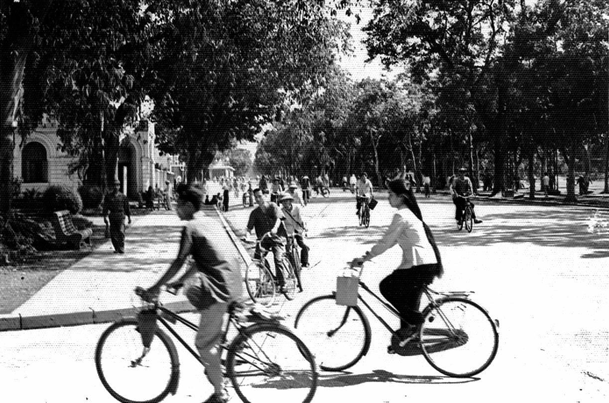 Hanoi rush hour, 1968