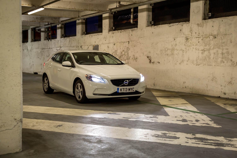 Volvo V40 (15).jpg