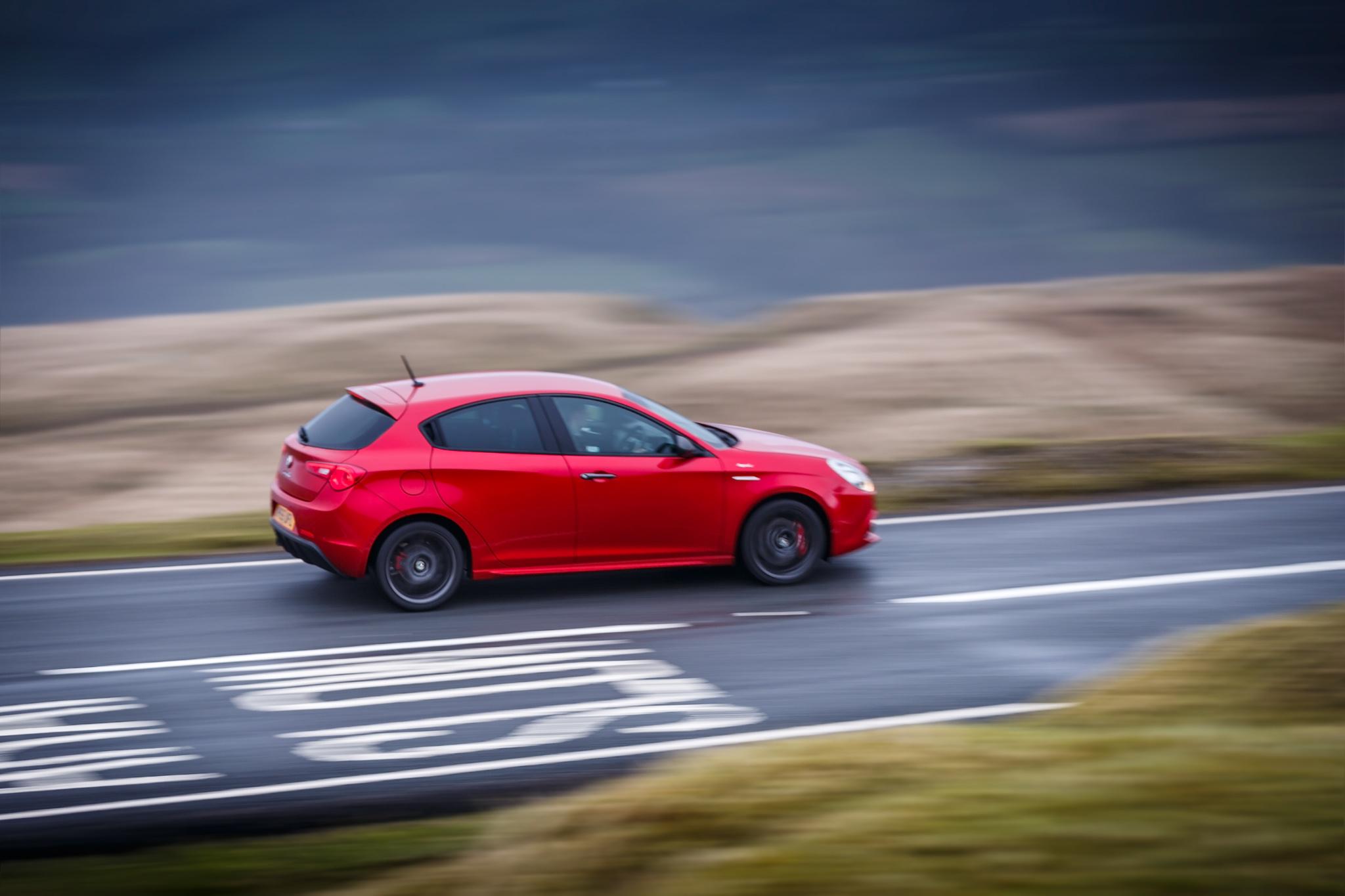 Alfa Romeo (9).jpg