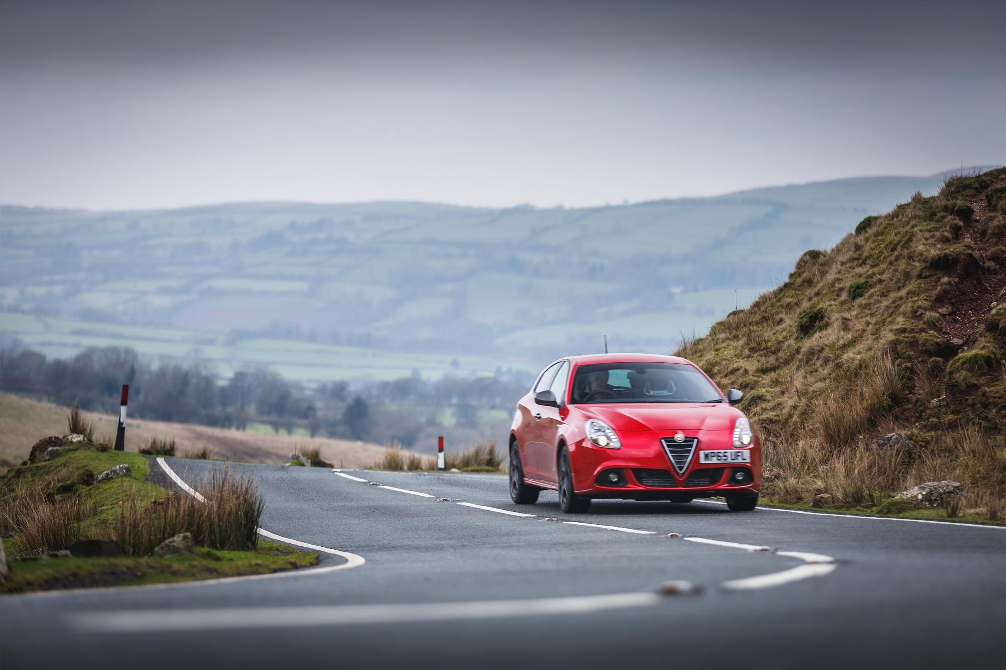 Alfa Romeo (33).jpg