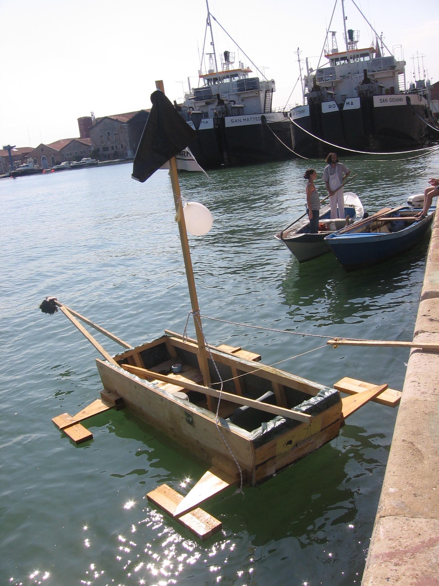 Taxi MoMS Boat