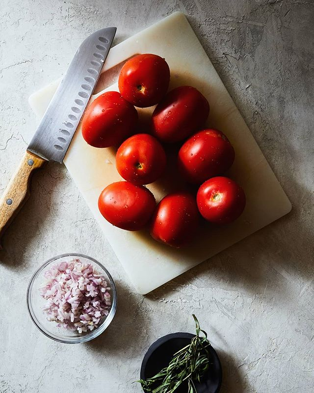 Hakuna ma-tomato. . . . Two flashes. f11. A ton of flags. jk maybe two. . . . #ingredient #foodphotography #foodlighting #igfood #foodgram #f52grams #foodpic #buzzfeast #lifeandthyme #food52 #foodandwine #bareaders #tastemade #vscocook #eeeeeats #foodart #foodgawker #foodvsco #gloobyfood #yahoofood #huffposttaste