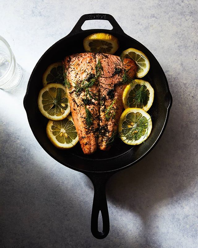 Salmon roasted in butter. Good and evil fats unite. . . . One light. F13. The glass was placed there to diffuse the light on the lower half of the salmon and to balance the exposure overall. . . . #lemonsalmon #salmon #foodphotography #foodlighting #igfood #foodgram #f52grams #foodpic #buzzfeast #lifeandthyme #food52 #foodandwine #bareaders #tastemade #vscocook #eeeeeats #foodart #foodgawker #foodvsco #gloobyfood #yahoofood #huffposttaste