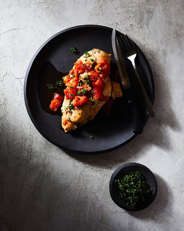 Chicken breast with a hint of Sicily 🇮🇹 (I think, sort of 🤷🏽♂️) . . . . #chickenbreast #capers #simple #foodphotography #foodlighting #bakefeed #igfood #foodgram #f52grams #foodpic #buzzfeast #lifeandthyme #food52 #foodandwine #bareaders #tastemade #vscocook #eeeeeats #foodart #foodgawker #foodvsco #gloobyfood #yahoofood #huffposttaste #hardlightfood