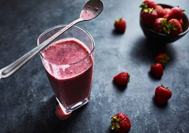 Berry almond coconut goodness. . . . . F/5.6. one speedlight with a softbox behind white diffusion material. I feathered the softbox to narrow the apparent size and then flagged it off to darken certain areas of the frame. . . . . #strawberrysmoothie #strawberrymania #healthysmoothies #foodphotography #foodlighting #igfood #foodgram #f52grams #foodpic #buzzfeast #lifeandthyme #food52 #foodandwine #bareaders #tastemade #vscocook #eeeeeats #foodart #foodgawker #foodvsco #gloobyfood #yahoofood #huffposttaste