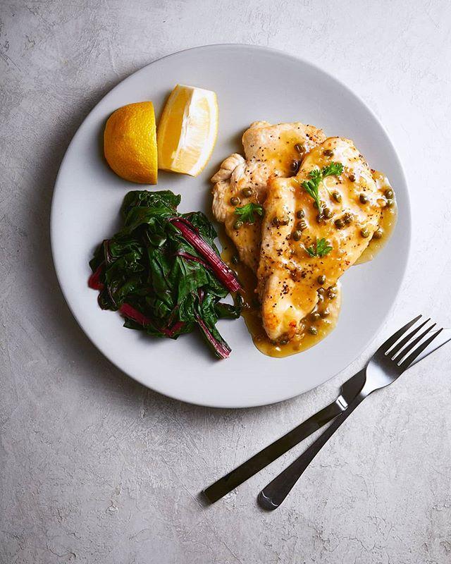 🏜️ . . . . . #chickenbreast  #chickenandveggies #foodphotography #foodlighting #bakefeed #igfood #foodgram #f52grams #foodpic #buzzfeast #lifeandthyme #food52 #foodandwine #bareaders #tastemade #vscocook #eeeeeats #foodart #foodgawker #foodvsco #gloobyfood #yahoofood #huffposttaste