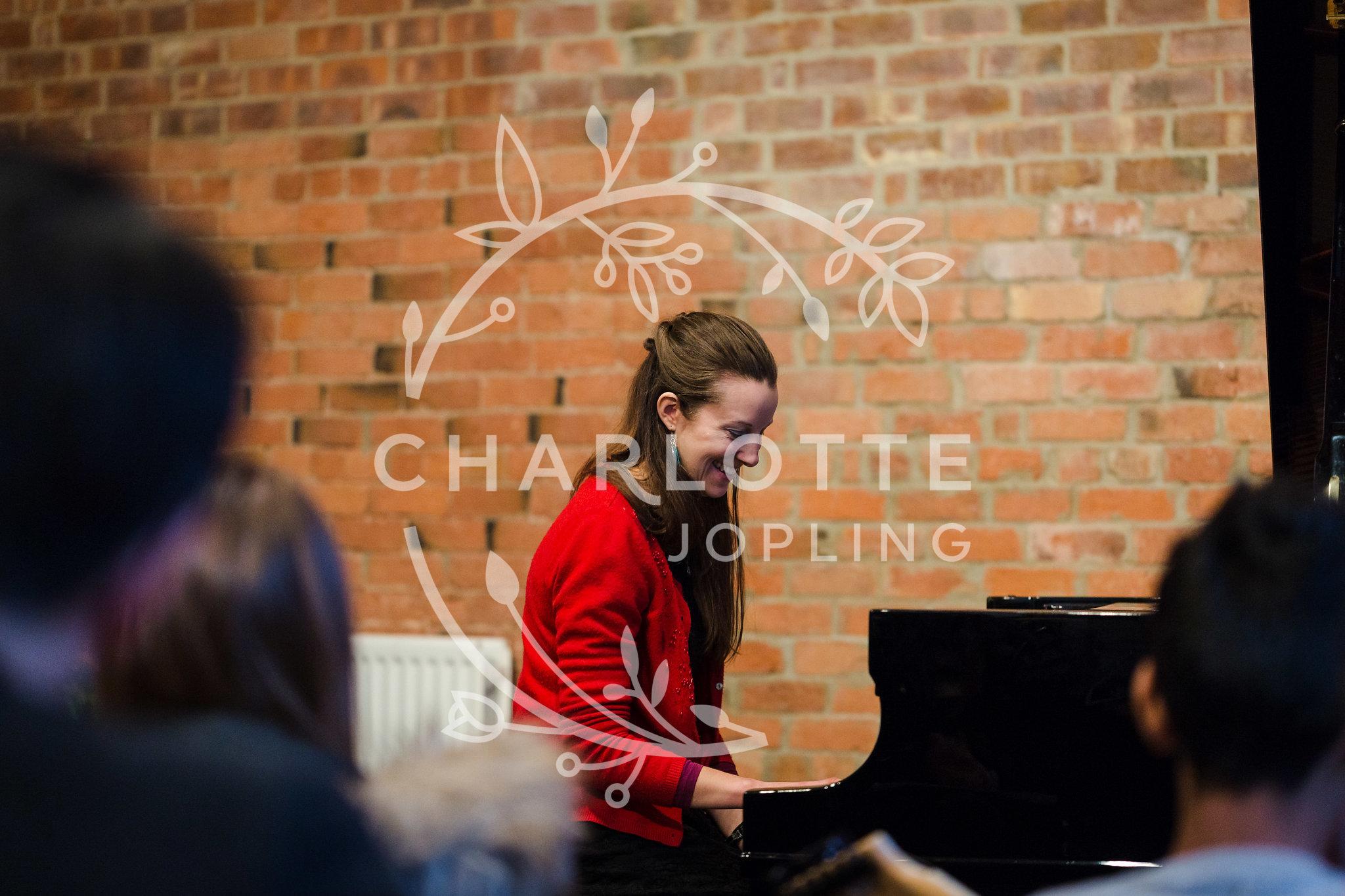 Stepping-Stones-Voicebox-Concert-2018-by-Charlotte-Jopling-26.jpg